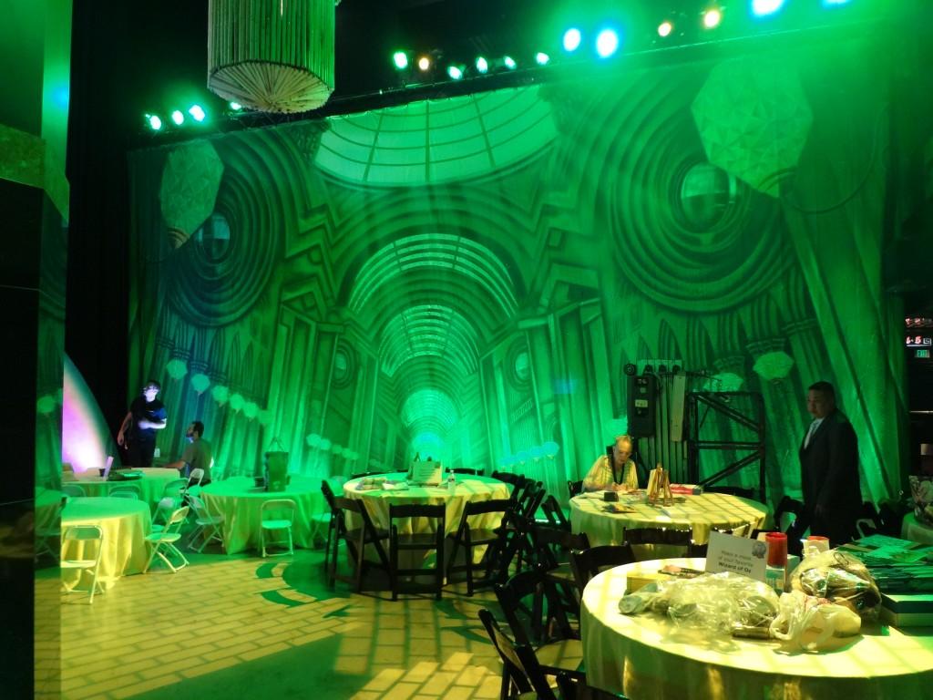 Theatreworld makes it to the wizard of oz 75th anniversary for Decoration original
